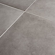 Konkrete Grey Matt Concrete effect Porcelain Floor tile, Pack of 4, (L)616mm (W)616mm