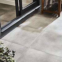 Konkrete Grey Matt Concrete effect Porcelain Outdoor Floor tile, Pack of 3, (L)610mm (W)610mm