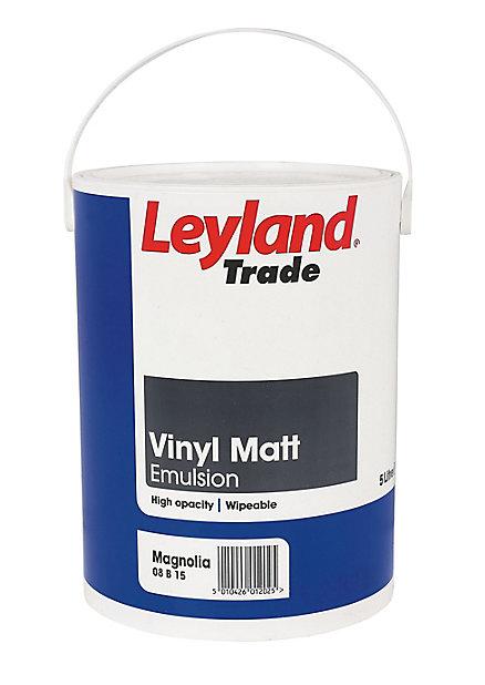 Leyland Trade Magnolia Matt Emulsion Paint 5l Diy At B Q
