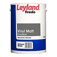 Leyland Trade Tradesman Trade Brilliant white Matt Emulsion paint, 5L