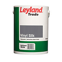 Leyland Trade Tradesman Trade White Silk Emulsion paint, 5L