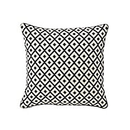 Misore Patterned Black & white Cushion (L)40cm x (W)40cm