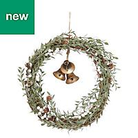 60cm Leaf trail with bells Wreath