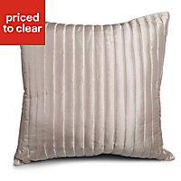 Quilted ribbed Oyster Cushion