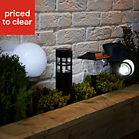 Blooma Nessus 2-in-1 Solar powered LED Globe light