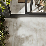 Pine wood White Matt Wood Wood effect Porcelain Outdoor Floor tile, Pack of 8, (L)800mm (W)200mm