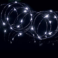 Premier Pin wire Solar-powered White 200 LED Outdoor String lights