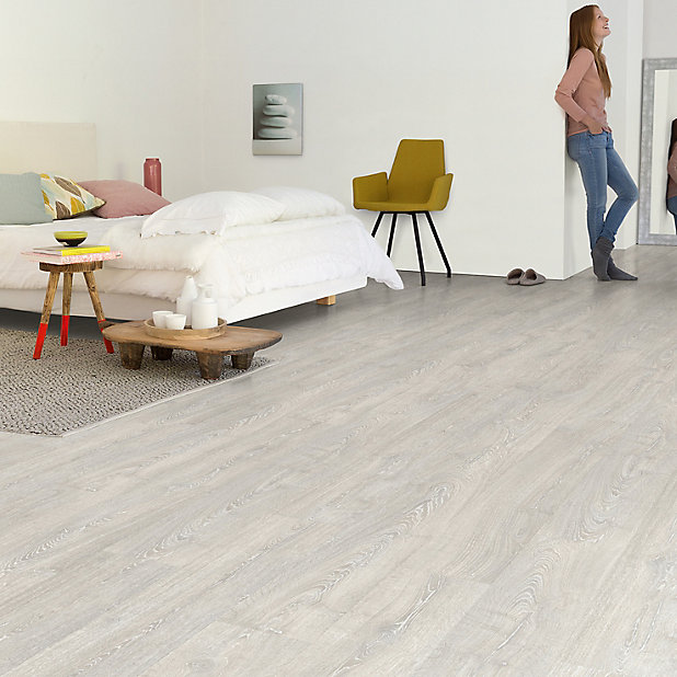 Quick Step Aquanto Grey Oak Effect, Light Grey Oak Effect Laminate Flooring