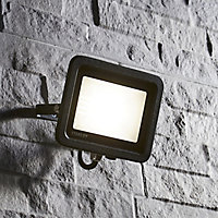 Stanley Black Mains-powered Cool white LED Floodlight 8000lm