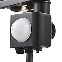 Stanley Black Mains-powered Cool white Outdoor LED PIR Floodlight 800lm