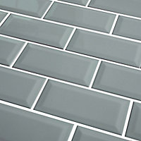 Trentie Green Gloss Metro Ceramic Wall tile, Pack of 40, (L)200mm (W)100mm