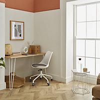 Tvissa White Office chair (H)820mm (W)480mm (D)560mm