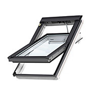 Velux White Timber Centre pivot Roof window, (H)980mm (W)780mm