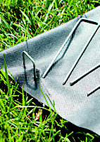 Verve Small Landscaping fabric staple (L)140mm (W)30mm, Pack of 20