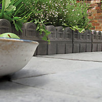 Victorian Paving edging (H)220mm (T)38mm, Pack of 48
