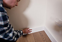 White MDF Chamfered Skirting board (L)2.4m (W)119mm (T)18mm, Pack of 2