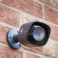 Yale SV-ABFX-B Wired 1080p Black Indoor & outdoor CCTV camera