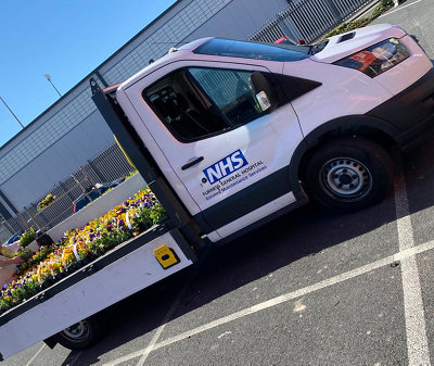 B&Q delivering flowers to the NHS during Covid-19