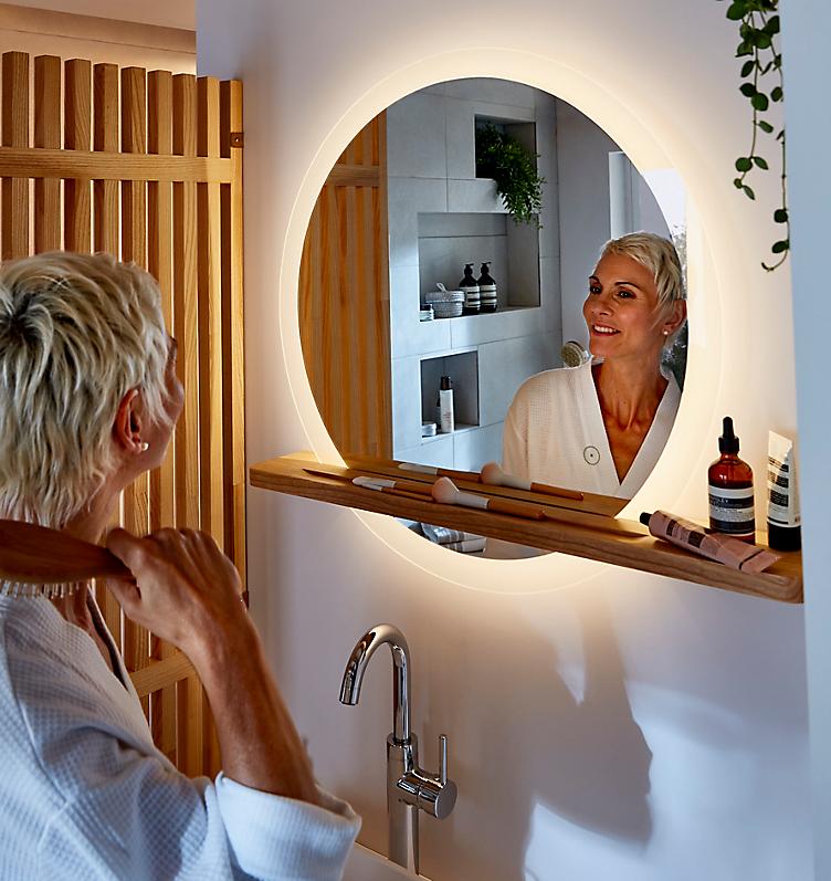 Bathroom lighting - Ideal Standard imagine Illuminated Square Mirror in bathroom