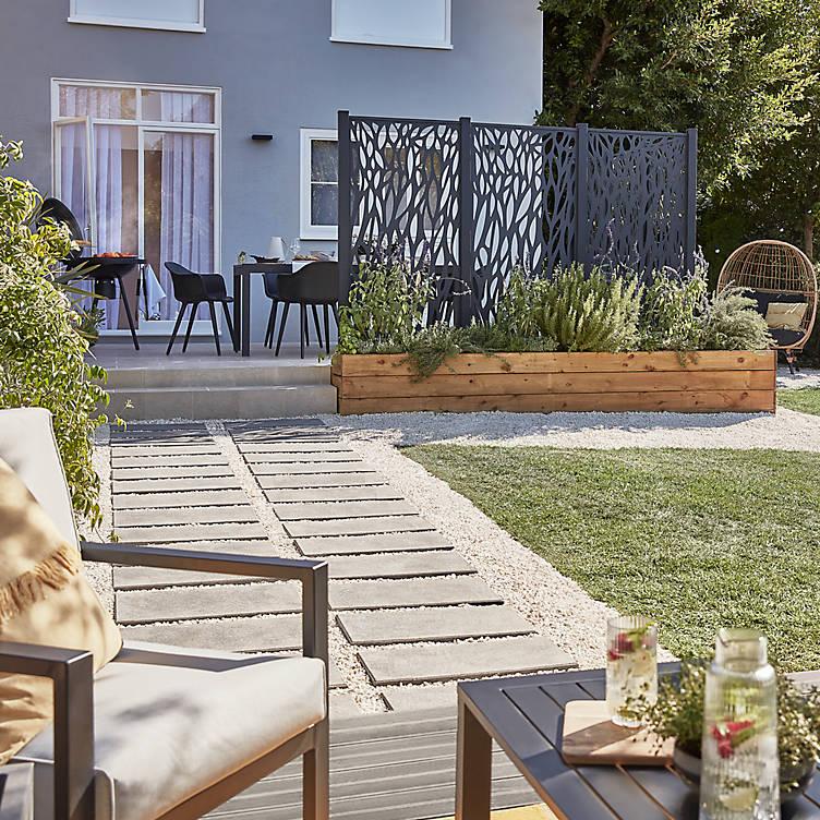garden screening from neighbours, privacy in the garden