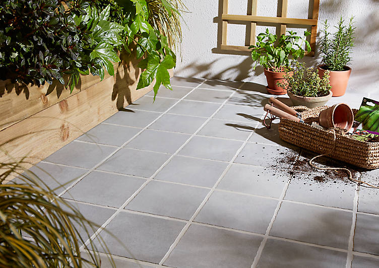 b & q paving, how to lay a patio, outdoor tiles