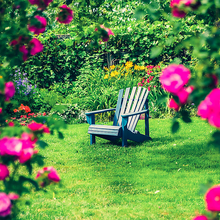Romantic garden ideas, trailing plants, garden seating for 2