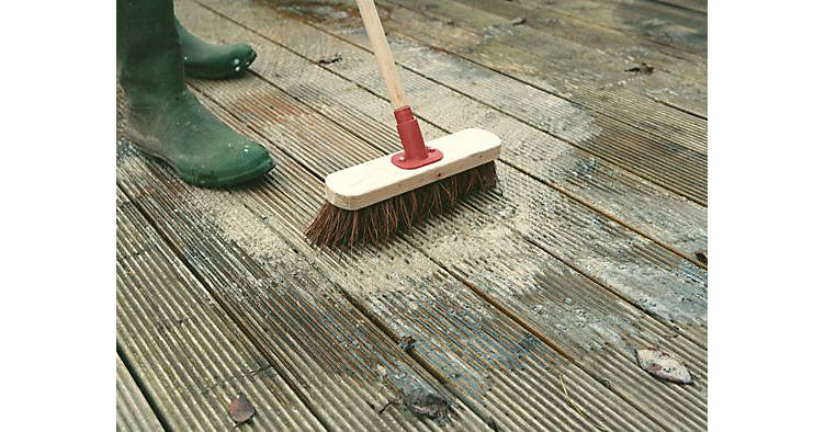 How to clean your decking, step 1