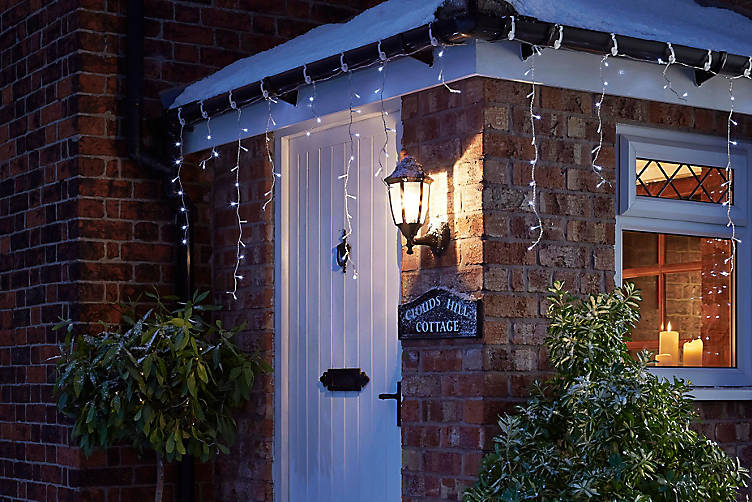 How To Hang Outdoor Christmas Lights Ideas Advice Diy