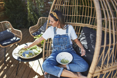 Outdoor living tips at B&Q