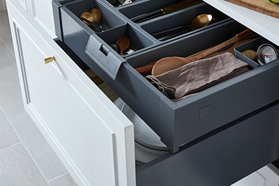Soto Drawers