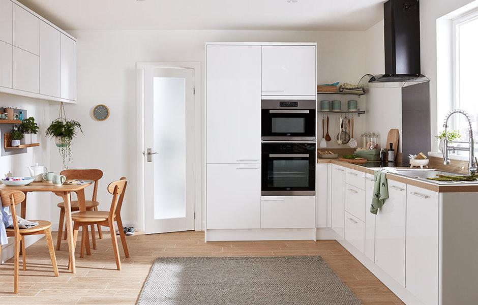 Stevia Gloss White Slab Fitted Kitchens B Amp Q Diy At B Amp Q
